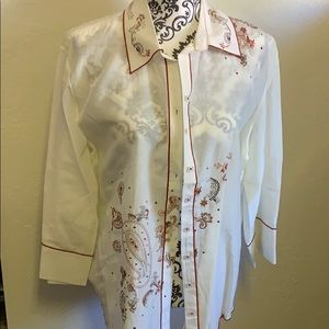 VTG. Or is Embroidered button-down short 3/4 slv
